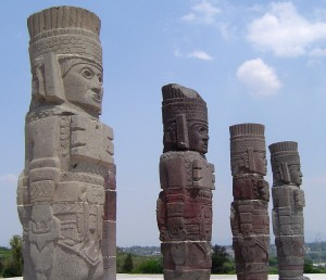 The statues on Pyramid B at Tollan